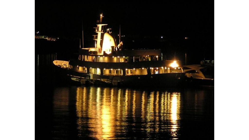 Classic Mega Yacht for Sale (2)