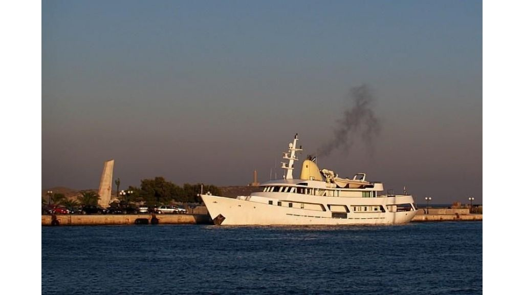 Classic Mega Yacht for Sale (3)