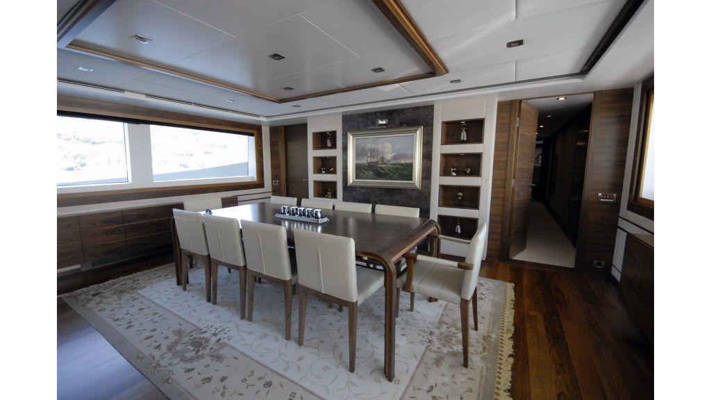 motor yacht steel charter-master