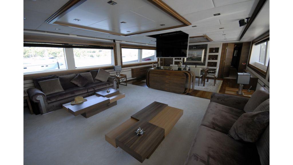 motoryacht steel charter master
