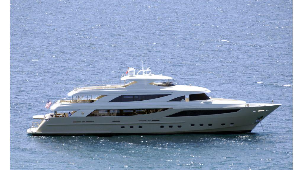 Steel motoryacht charter master
