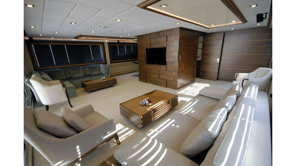 Steel motoryacht charter-master