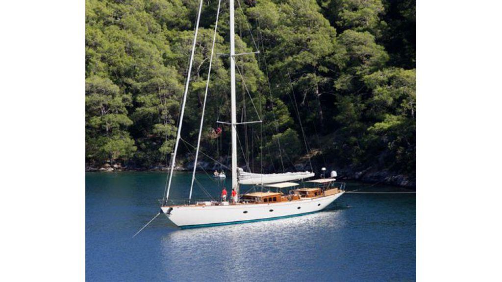 JAZZ_JR_sailing_yacht (1)