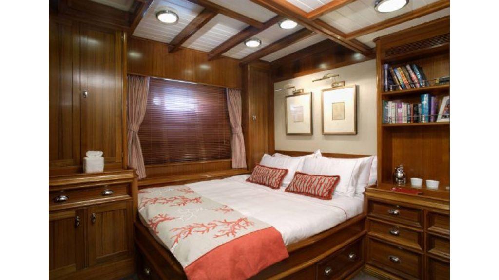 JAZZ_JR_sailing_yacht (12)