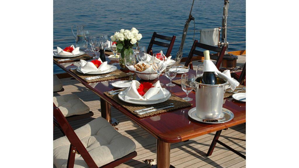 JAZZ_JR_sailing_yacht (16)