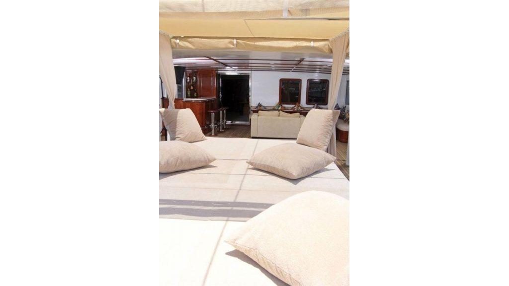 private steel hull motoryacht (10)