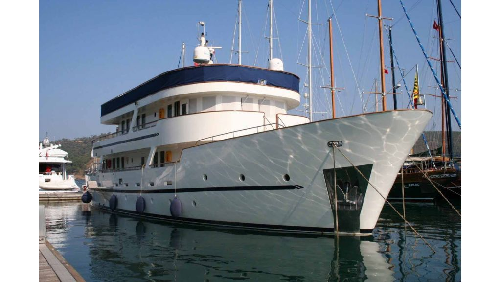 private steel hull motoryacht, private steel hull motoryacht