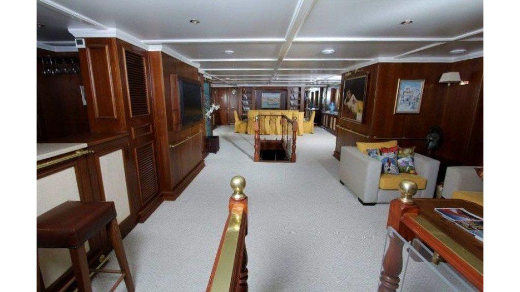 private steel hull motoryacht (12)