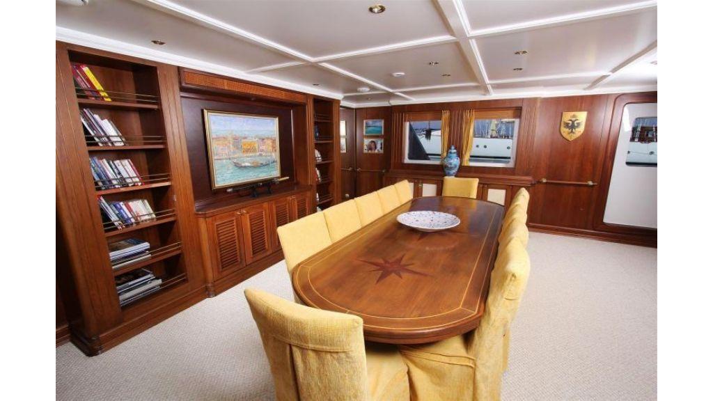 private steel hull motoryacht (15)