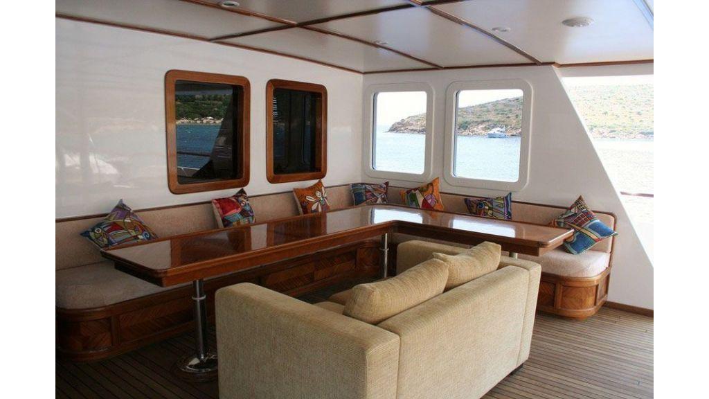 private steel hull motoryacht (17)