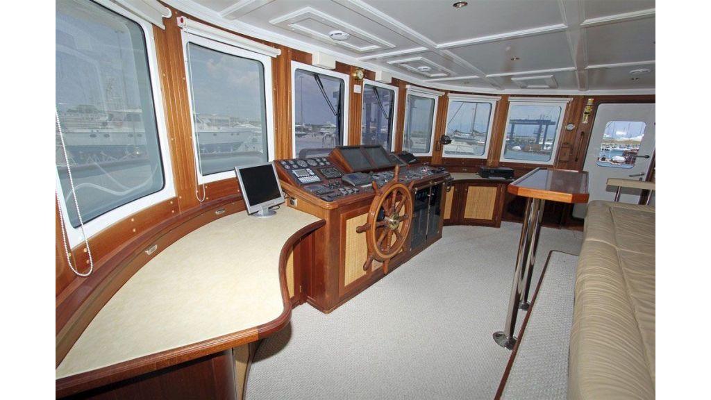 private steel hull motoryacht (19)