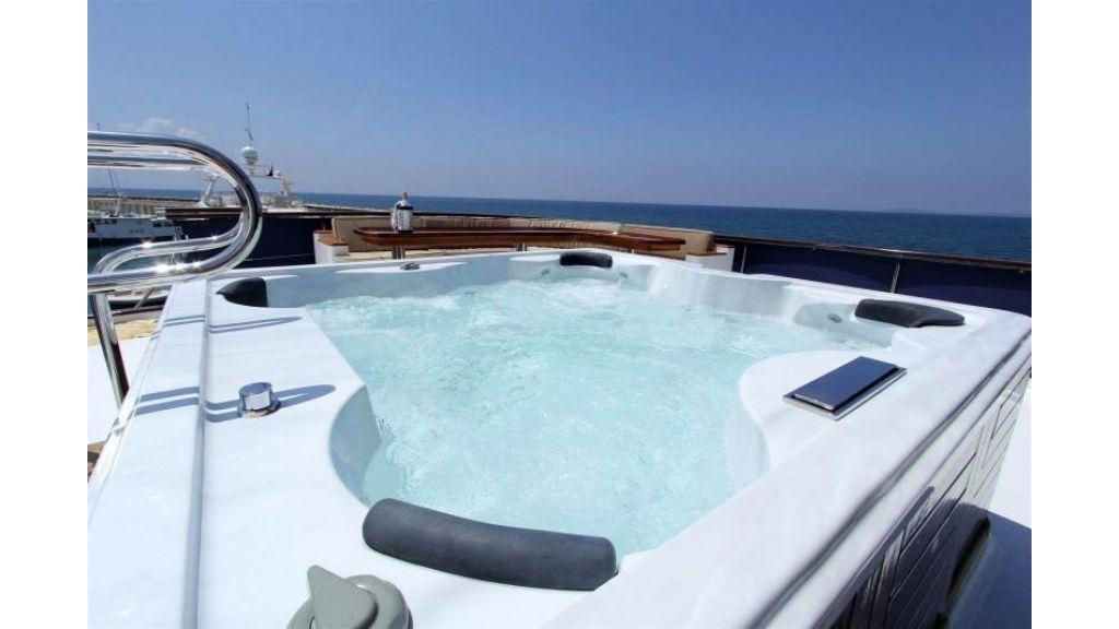 private steel hull motoryacht (27)