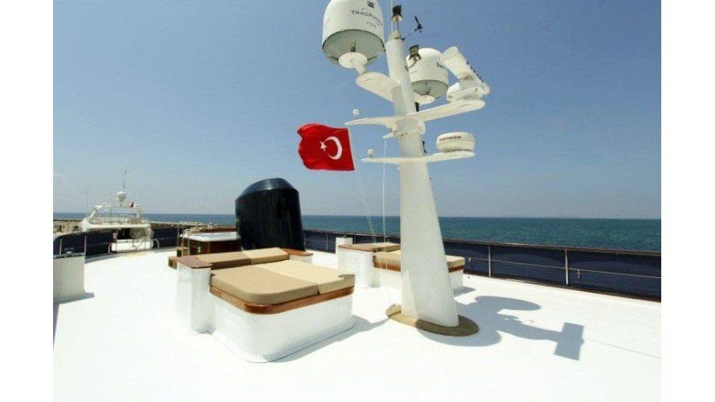 private steel hull motoryacht (28)