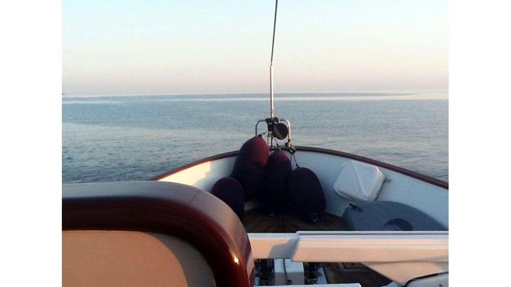 private steel hull motoryacht (34)