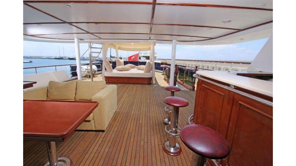 private steel hull motoryacht (7)