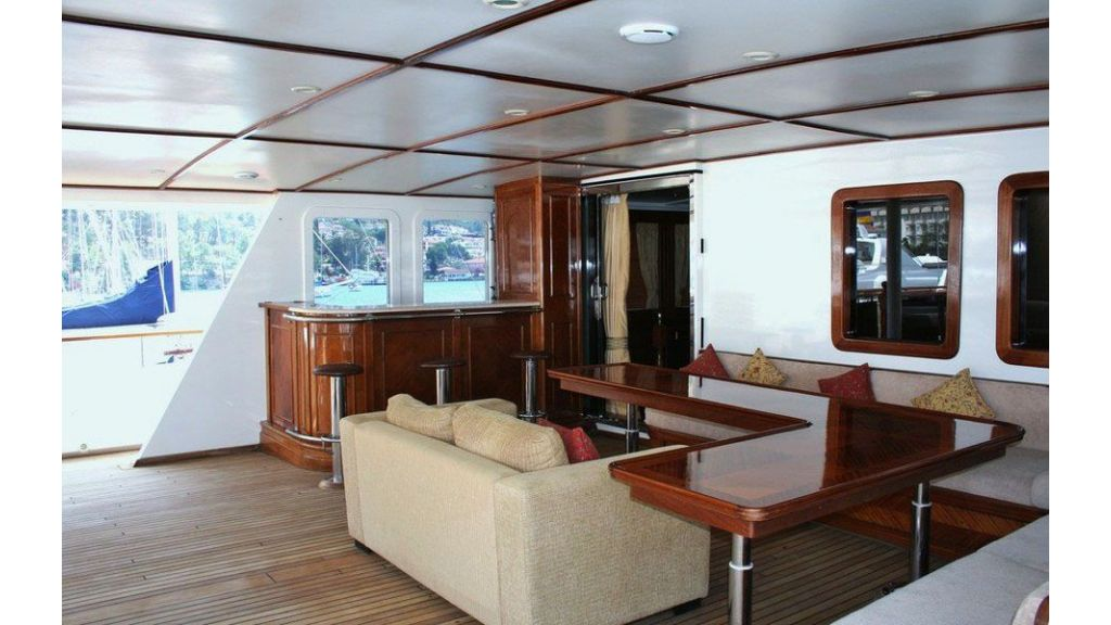 private steel hull motoryacht (9)