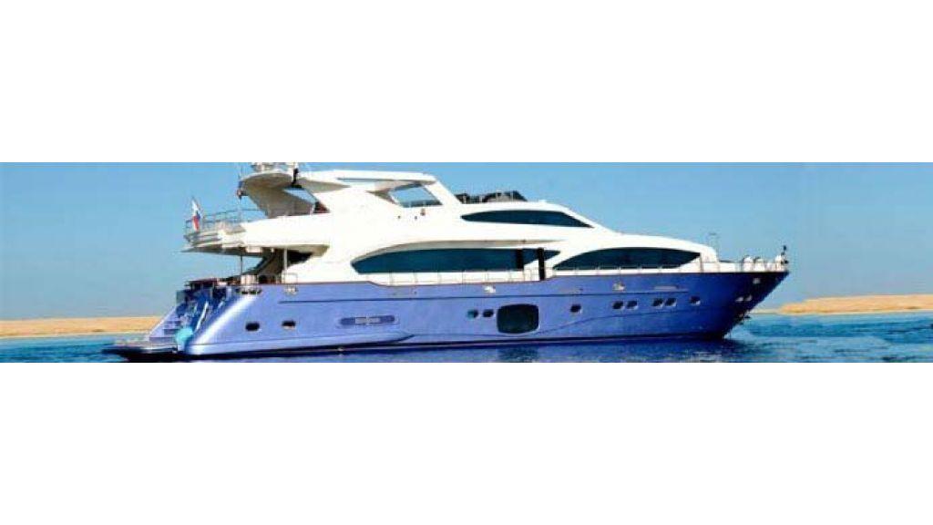Laminated_wood_motoryacht-(41)