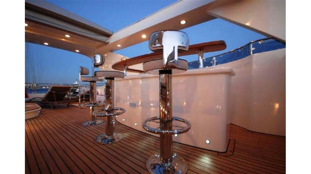 Laminated_wood_motoryacht (31)