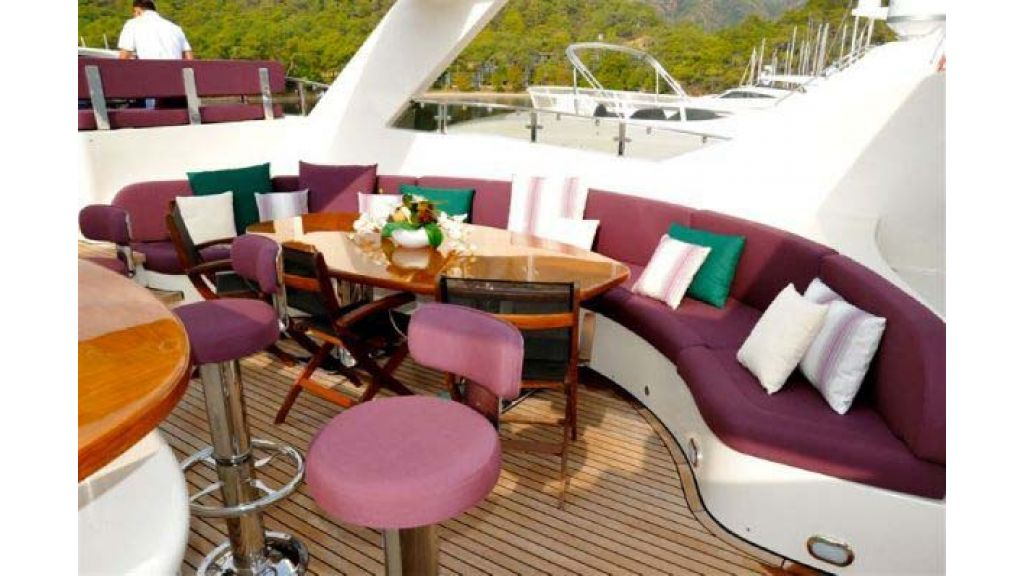 Laminated_wood_motoryacht (18)