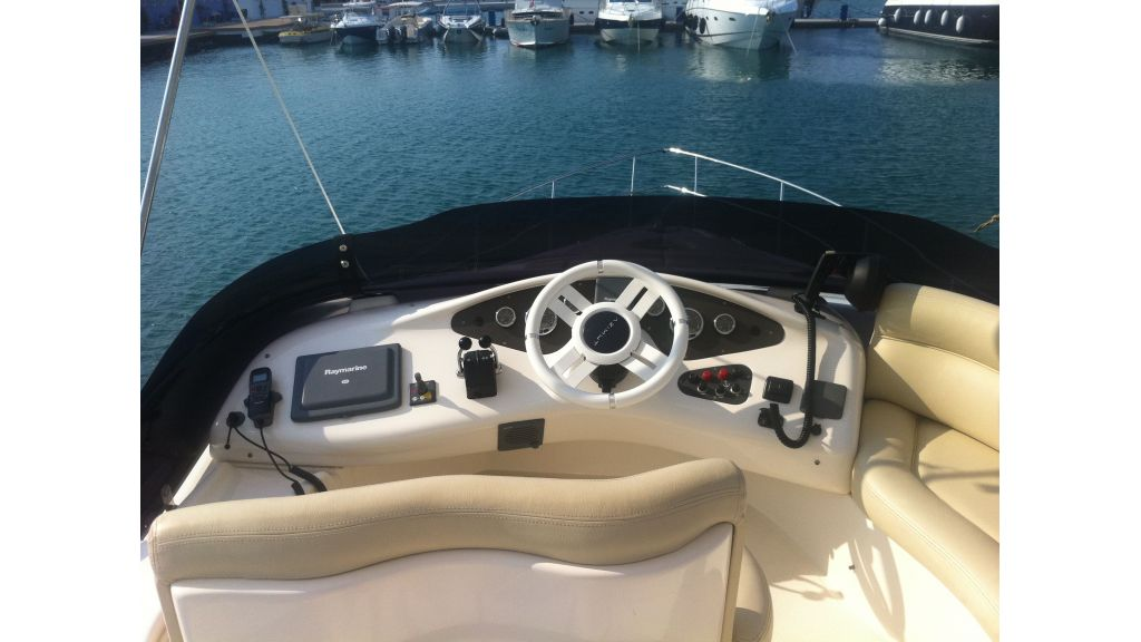 Azimut_42_for_sale (1)