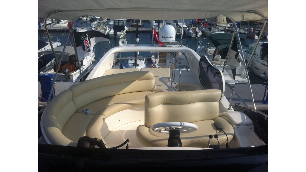 Azimut_42_for_sale (2)