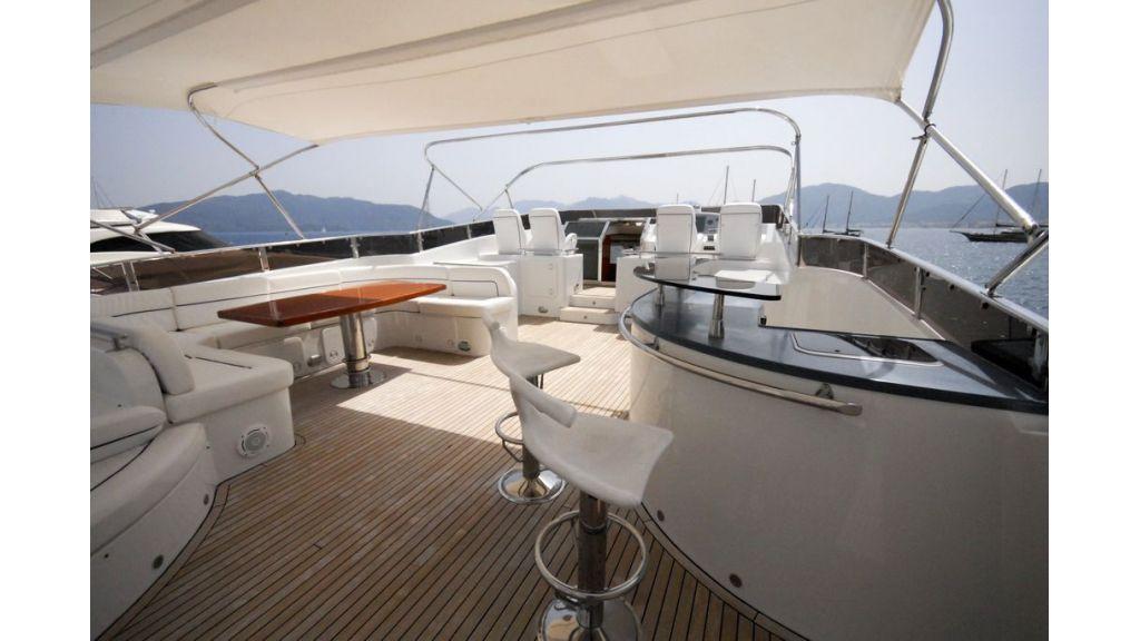 Elegant built motoryacht (15)