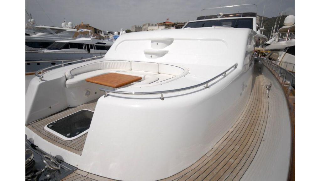 Elegant built motoryacht (17)