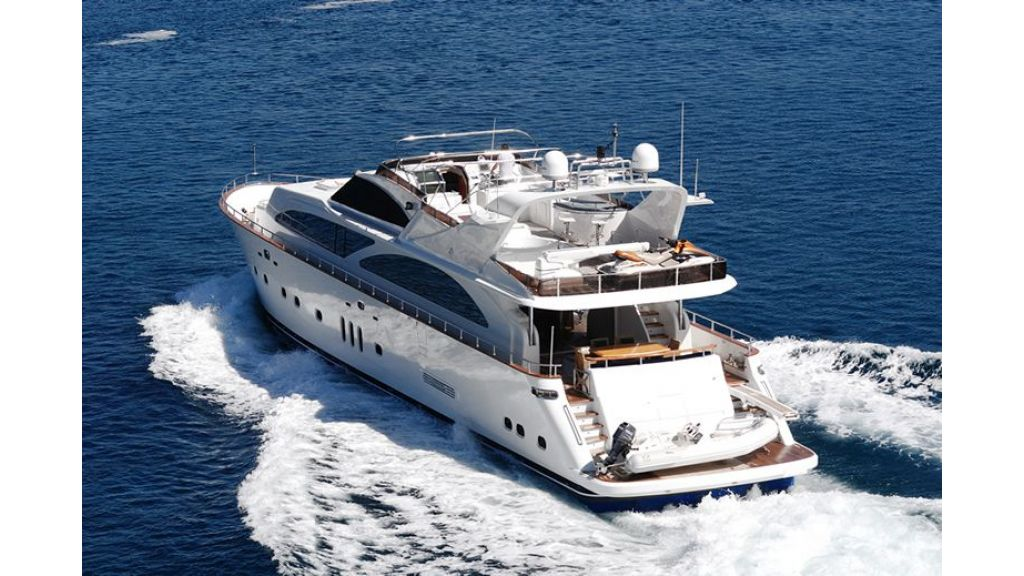 Elegant built motoryacht (21)