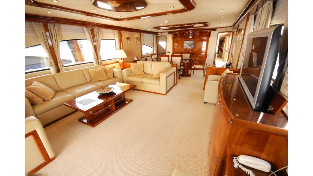 Elegant built motoryacht (22)