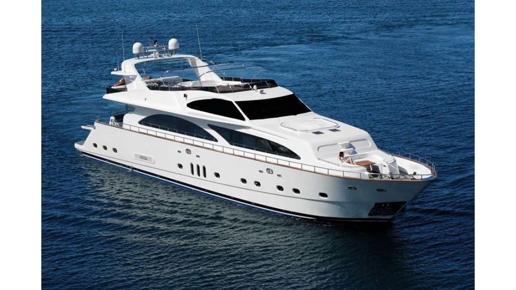 Elegant built motoryacht (23)
