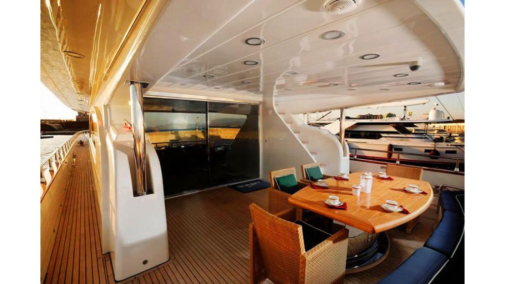 Elegant built motoryacht (24)