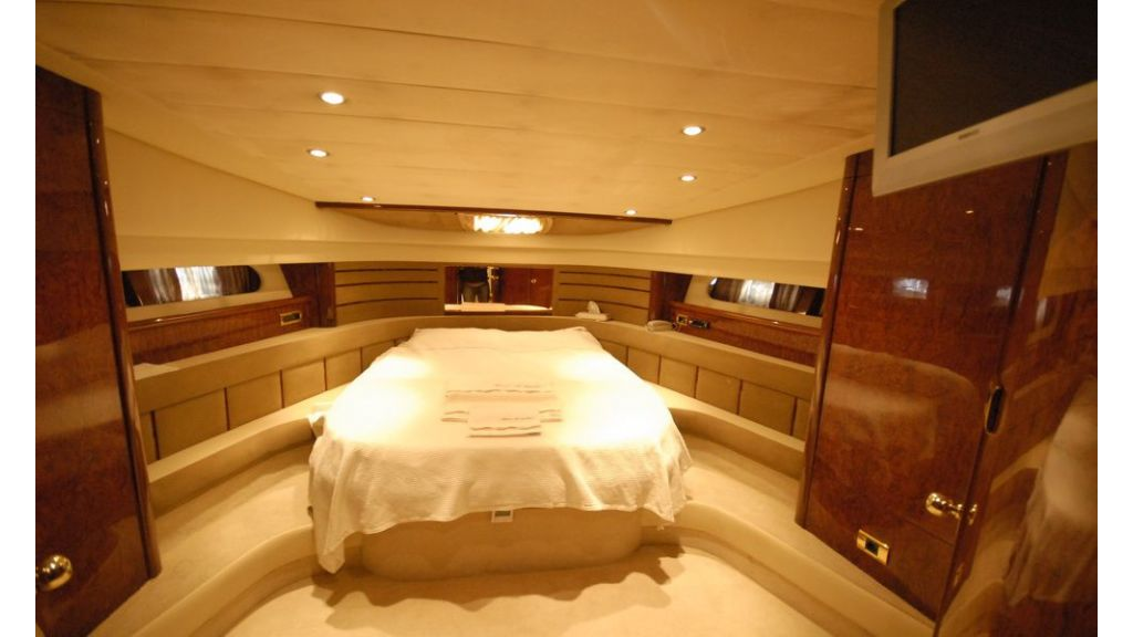 Laminated wood motoryacht (10)