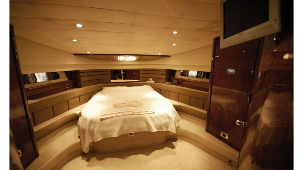 Laminated wood motoryacht (2)