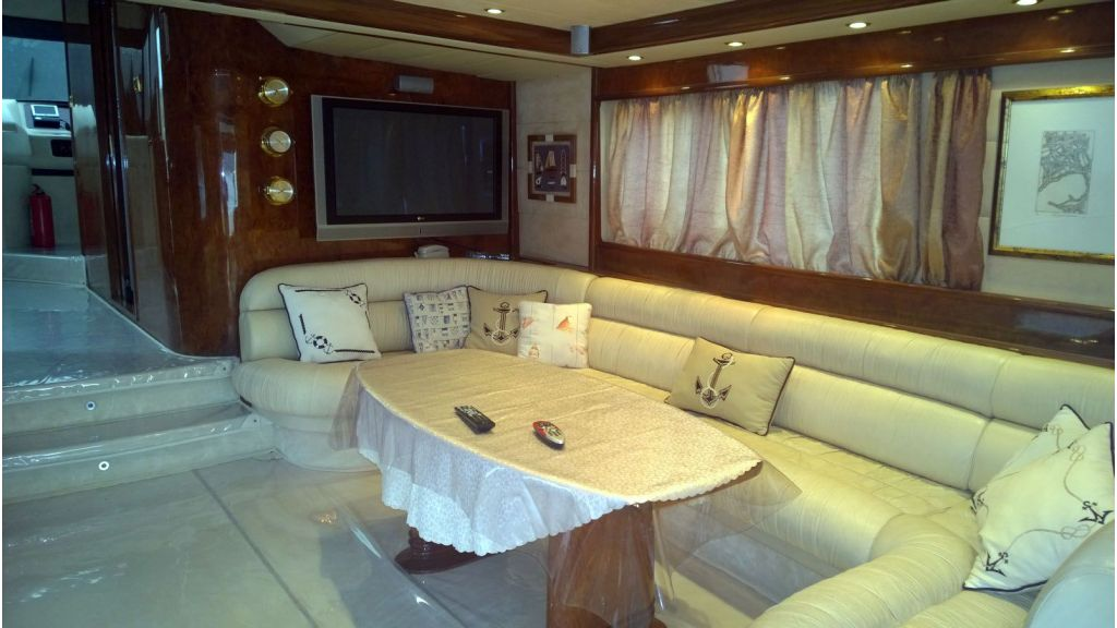Laminated wood motoryacht (35)