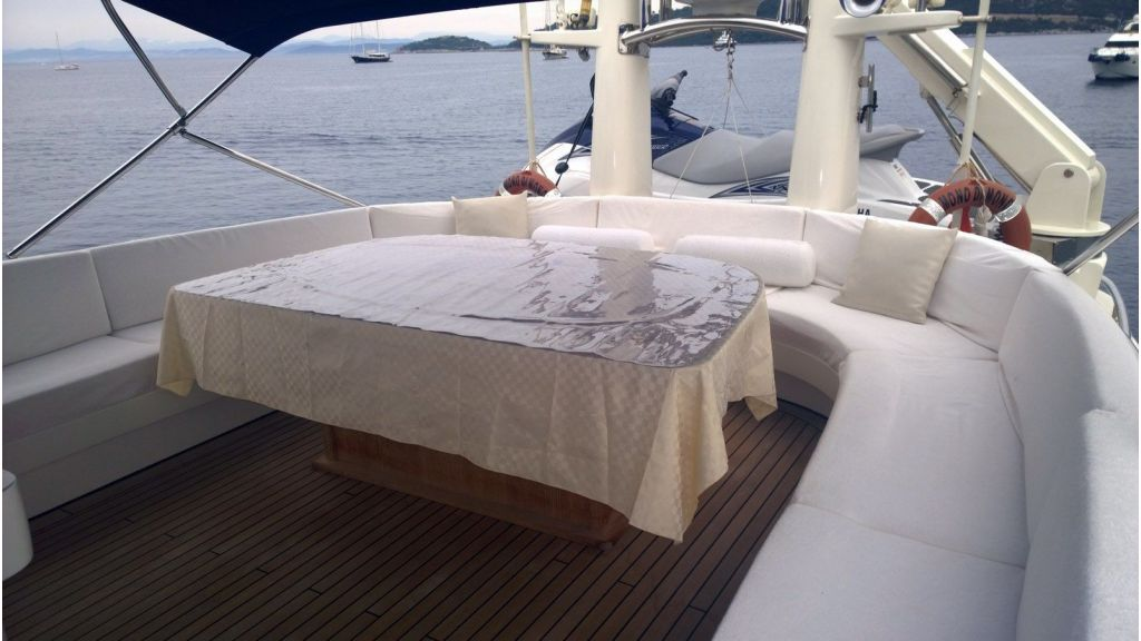 Laminated wood motoryacht (38)