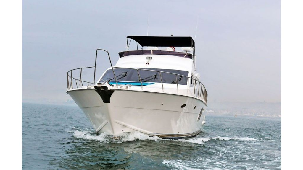 Motor yacht_for_sale (1)