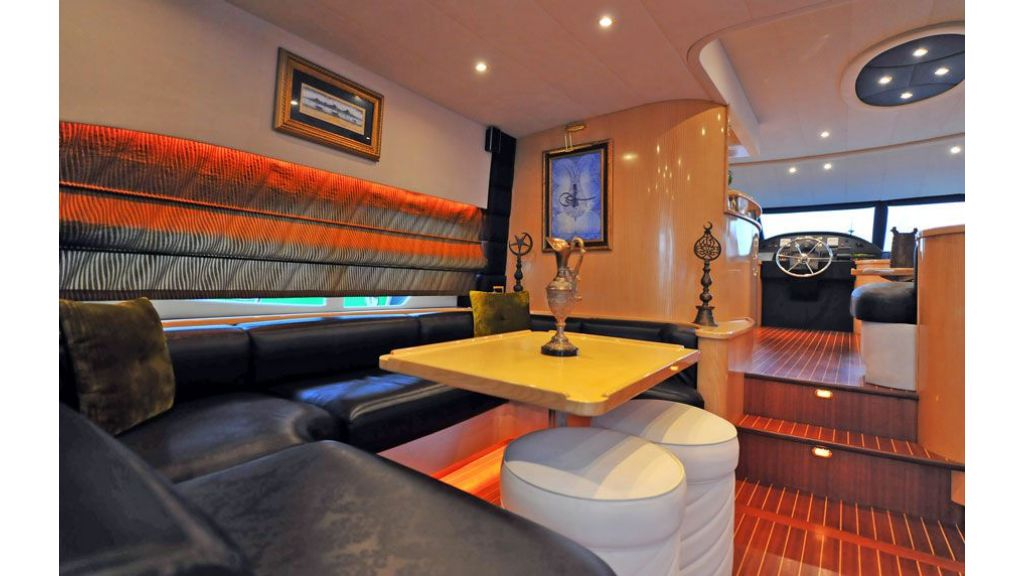 Motor yacht_for_sale (10)