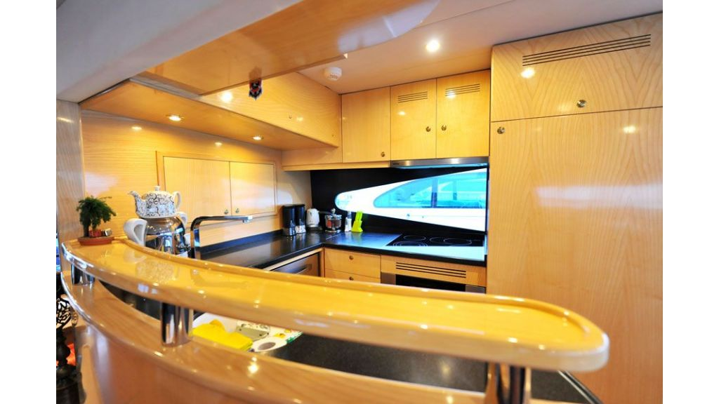 Motor yacht_for_sale (12)