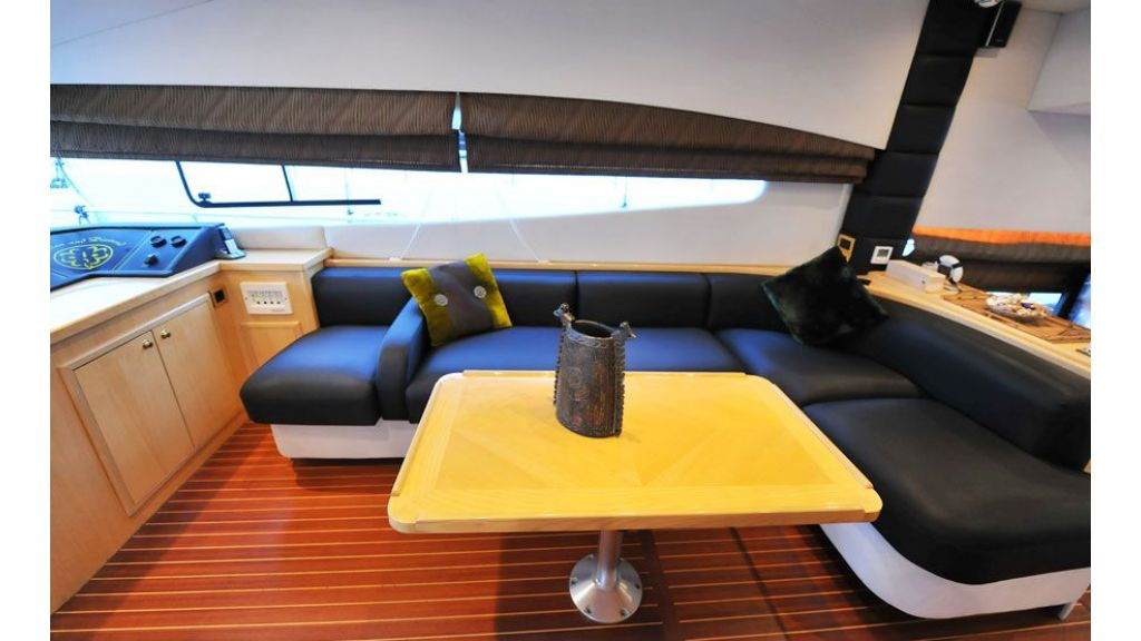 Motor yacht_for_sale (13)