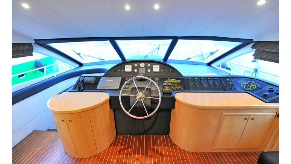 Motor yacht_for_sale (14)