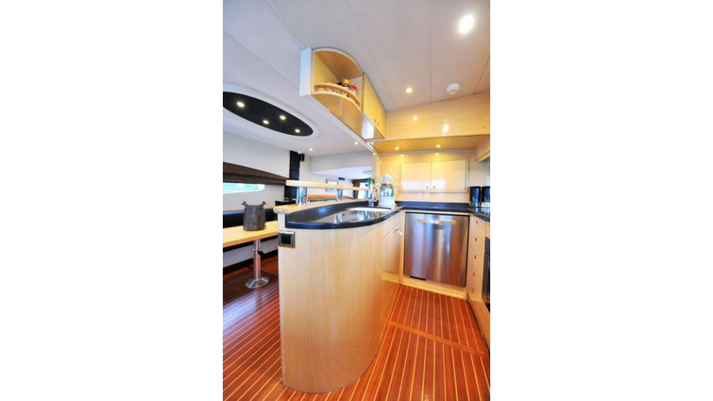 Motor yacht_for_sale (15)