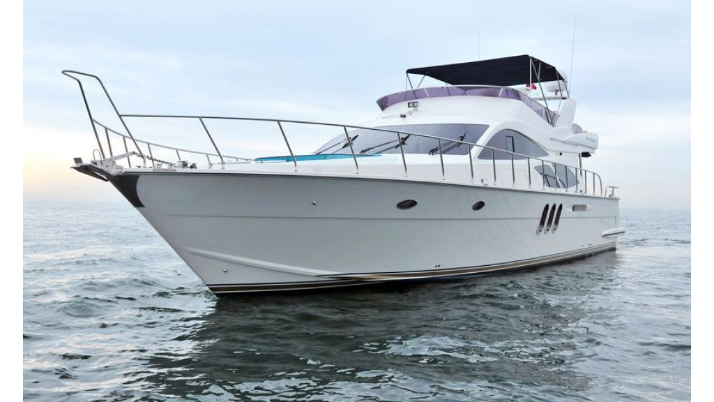 Motor yacht_for_sale (2)