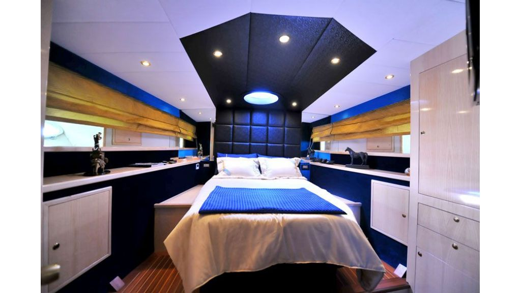 Motor yacht_for_sale (20)