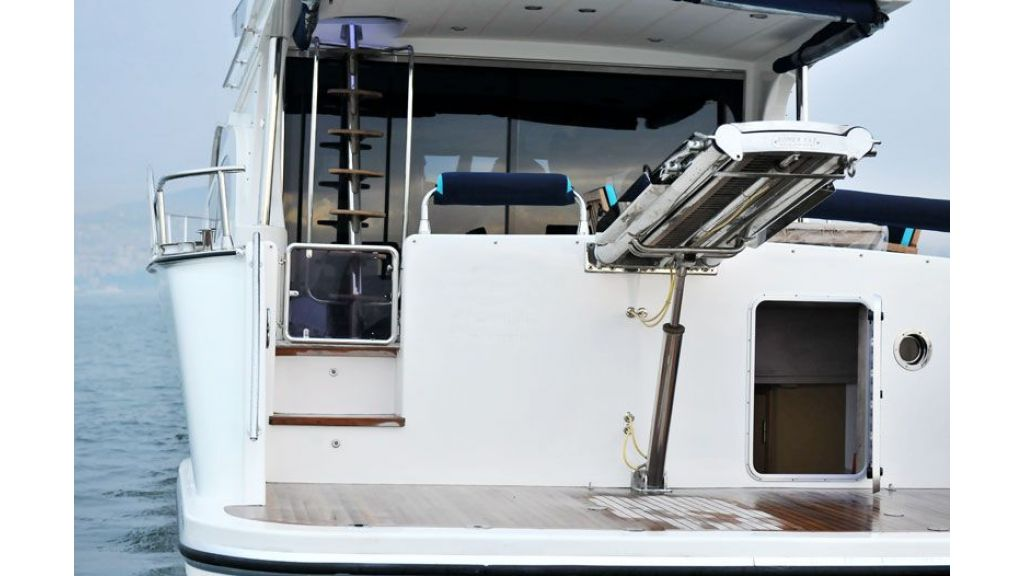 Motor yacht_for_sale (6)