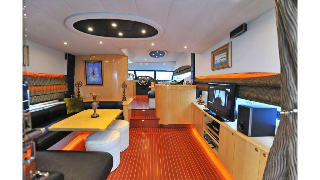 Motor yacht_for_sale (9)