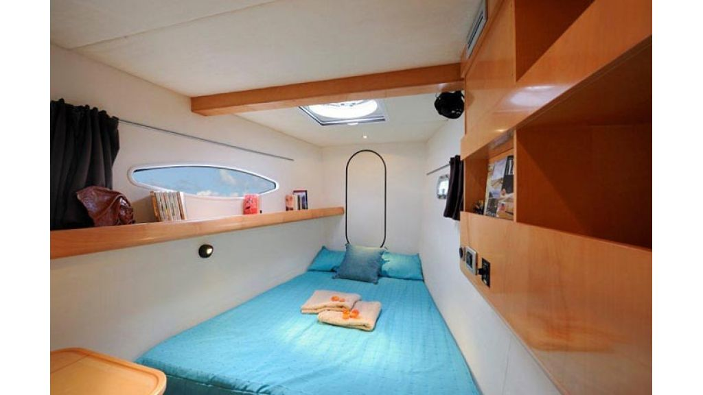 Catamaran_for_sale (16)