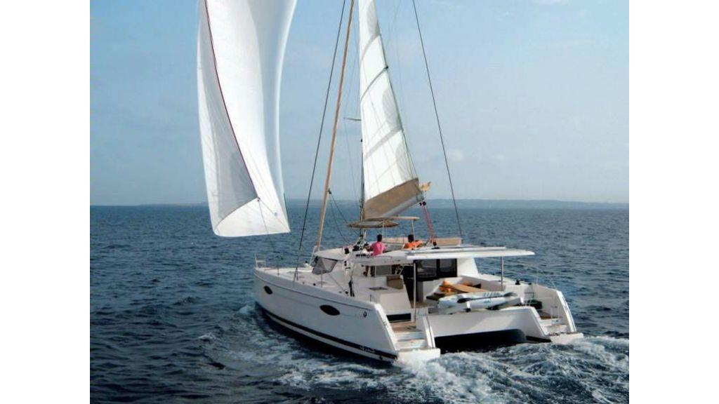 Catamaran_for_sale (19)