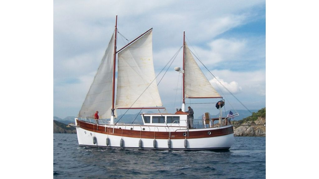 Nordik_motorsailer_yacht (21)