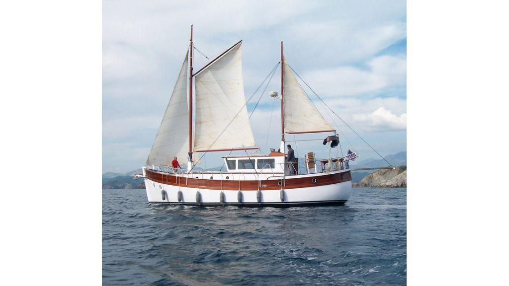 Nordik_motorsailer_yacht (24)
