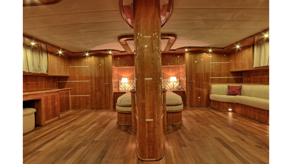 Silver moon luxury sailing yacht (19)